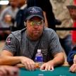 Запретят ли солнцезащитные очки в оффлайн покере?